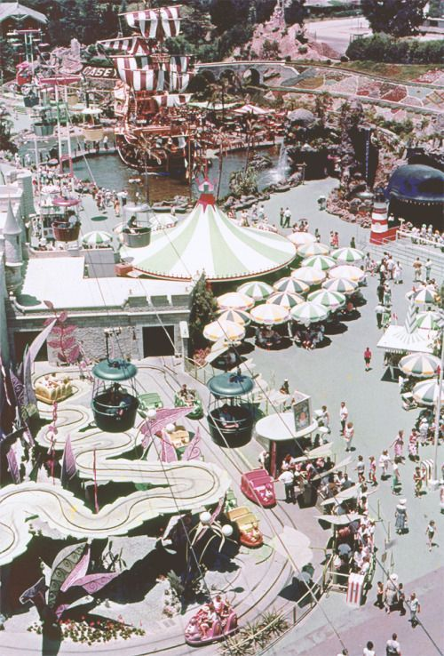 Fantasyland - Vintage Disneyland Photos from the 50s